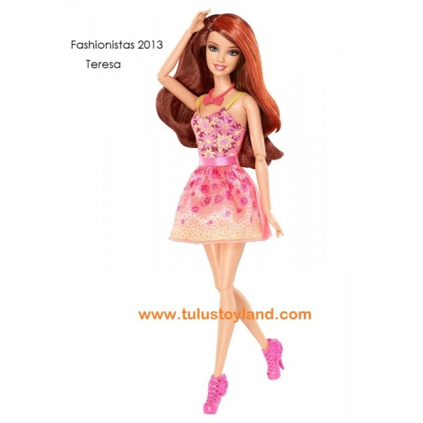 Teresa Fashionista Barbie Display all pictures